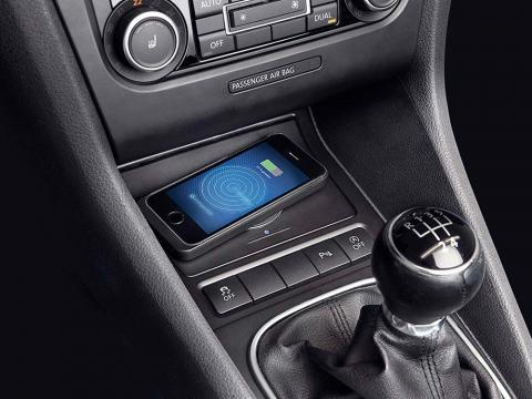 Wireless-Charging-Console-for-Volkswagen-Golf_6-KCE-G6QI-01